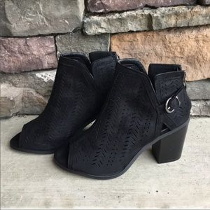🔥 🔥🔥 Forever Lov vegan suede Ankle Boots